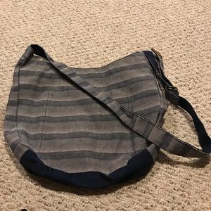 Thirty-one Retro Metro Crossbody Hobo purse